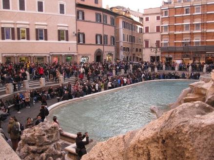 Turistas en la Fontana di Trevi